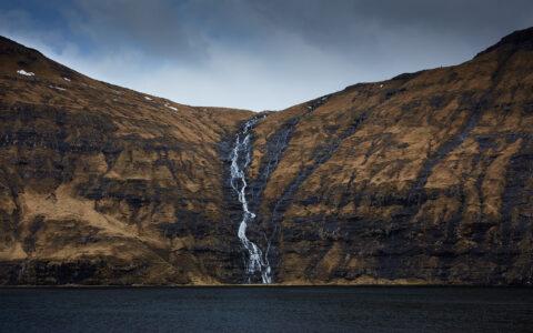 Vandfald på Færøerne.